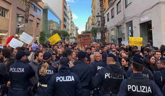 Salvini a Salerno: dalla prospettiva di un manifestante