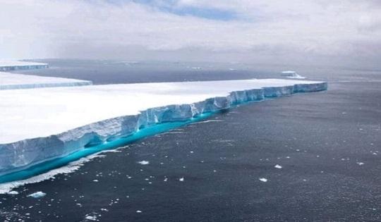 Sciolto l'iceberg più grande al mondo